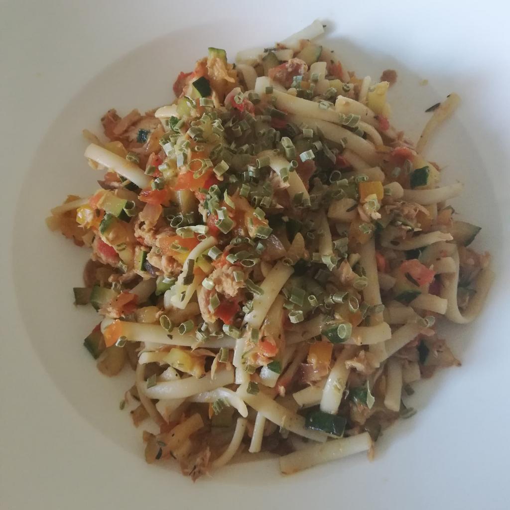 Tunfisch-Gemüse-Nudeln